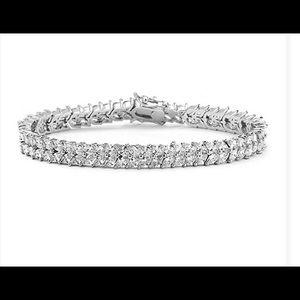 Jewelry - Silver Chevron Bracelet with Swarovski Crystals.